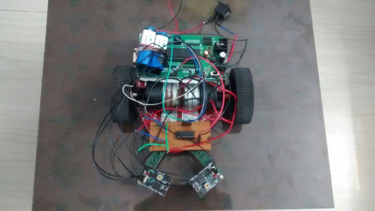 gesture controlled robot using accelerometer - Arduino