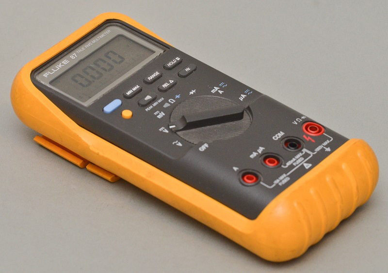 electronic-tool-multimeter-workbench