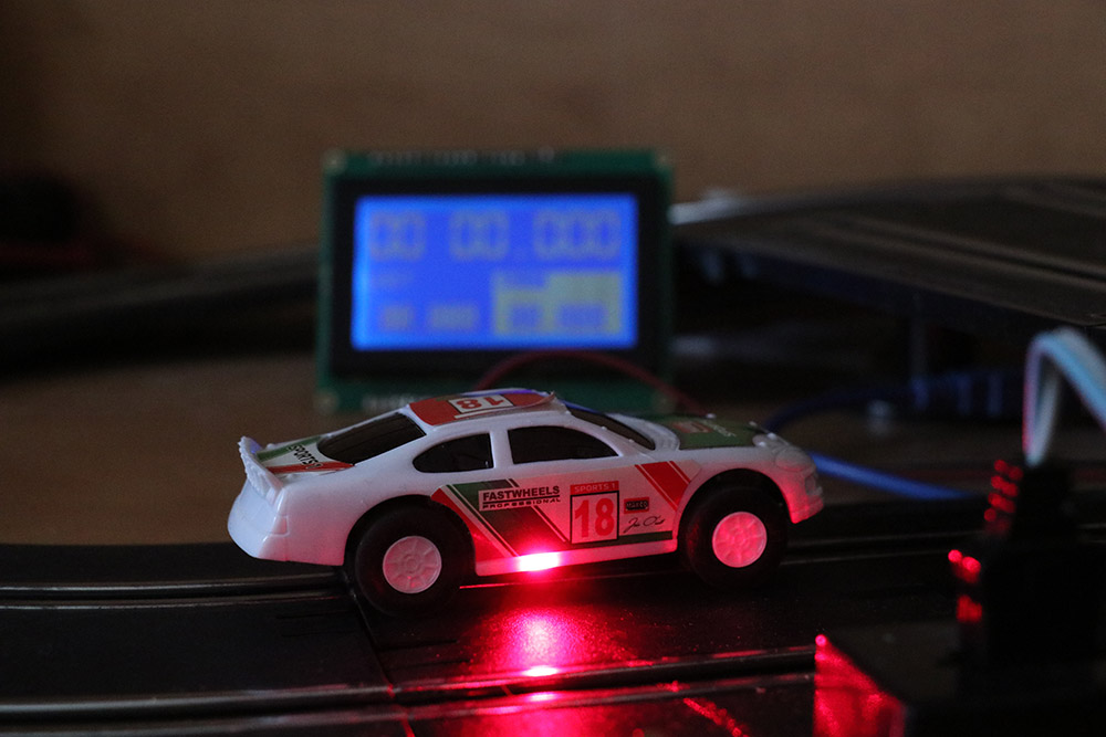 Lap timer for slot cars using Laser and Arduino - Gadgetronicx